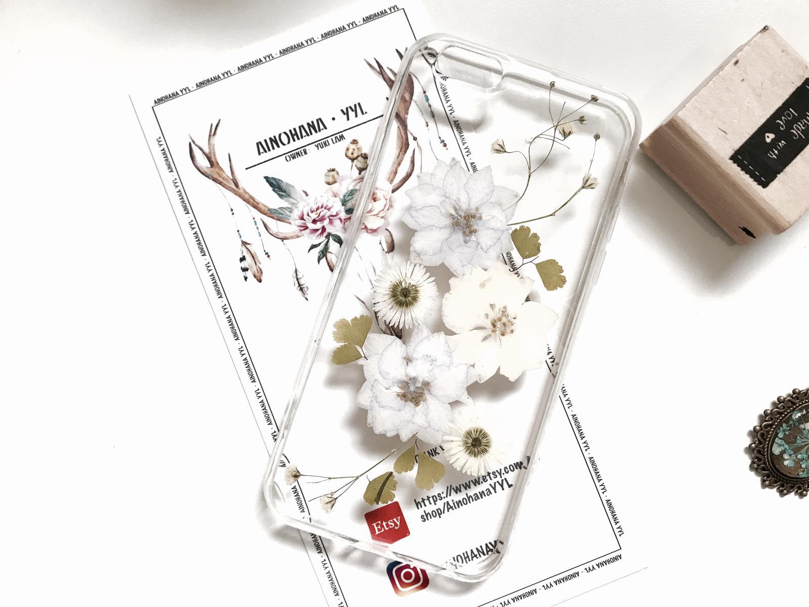 Flowery phone case