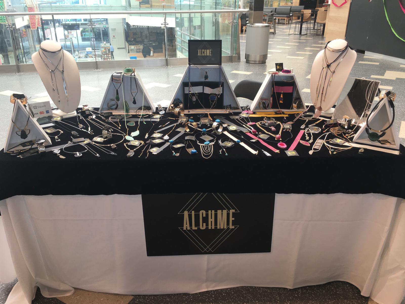 Alchme Tressle table display