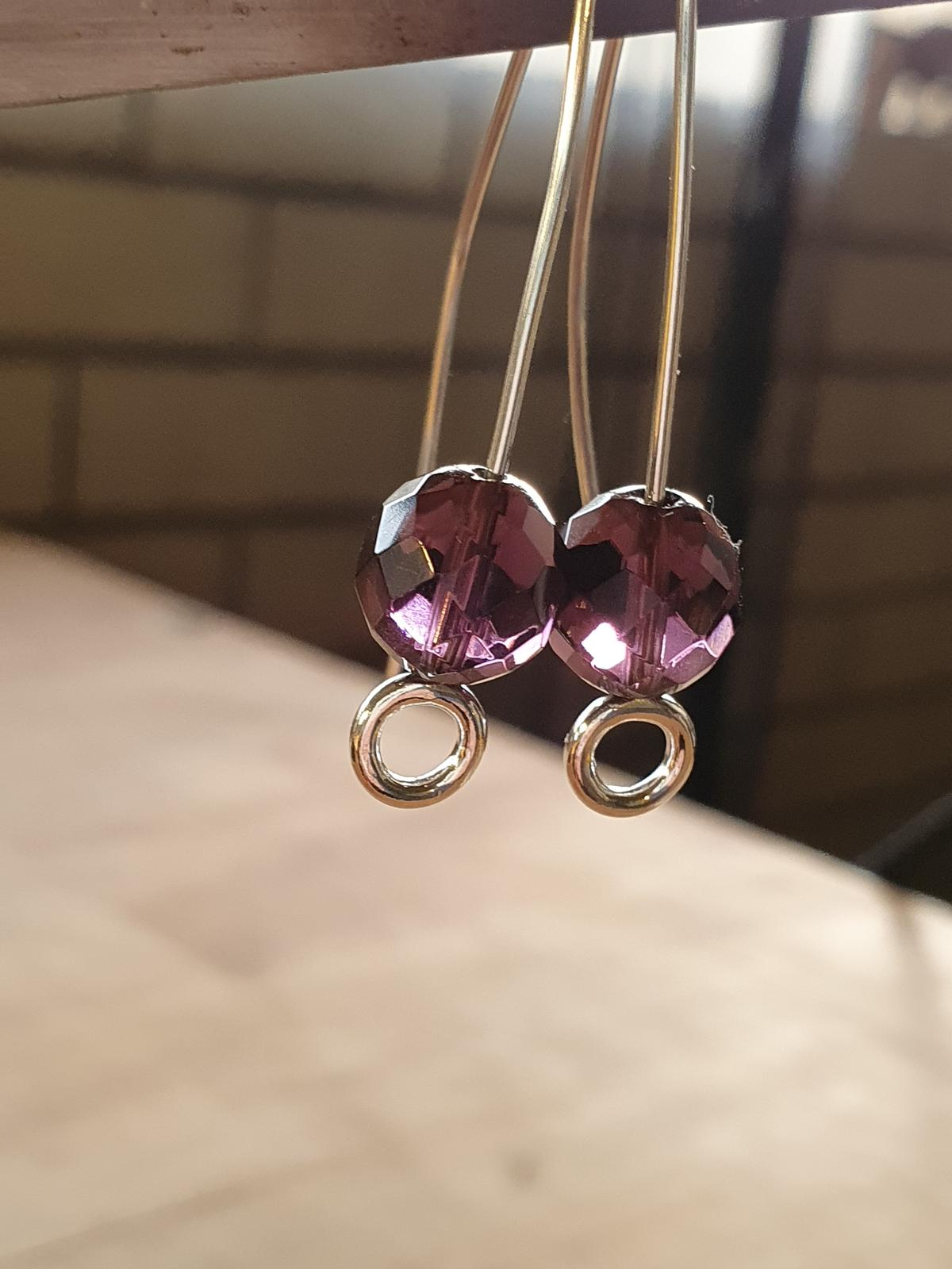 Silver drop earrings with Amethyst bead