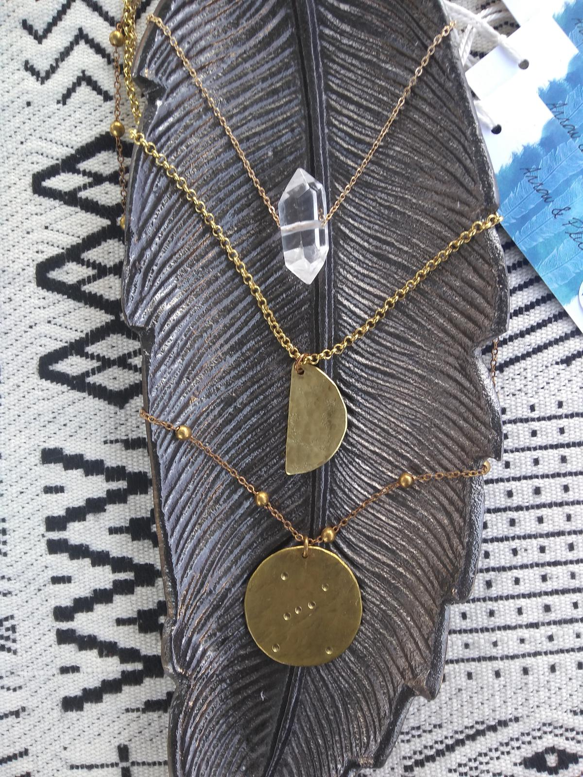 Layering necklaces & visual set up