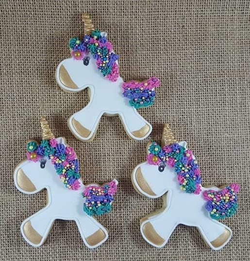 Vanilla unicorn cookies