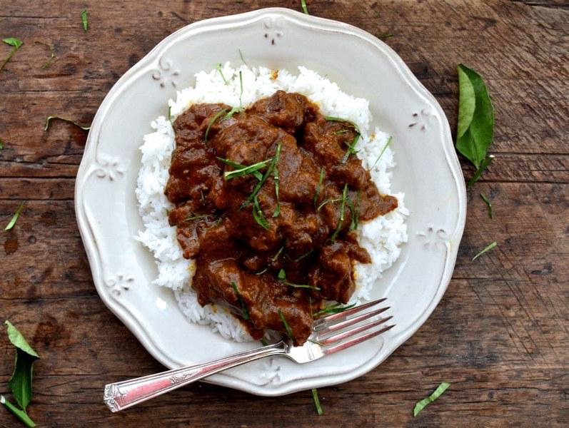 Rendang/Chicken Curry with Rice