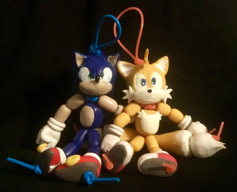 Sonic and Tails bead-dolls (polymer clay)
