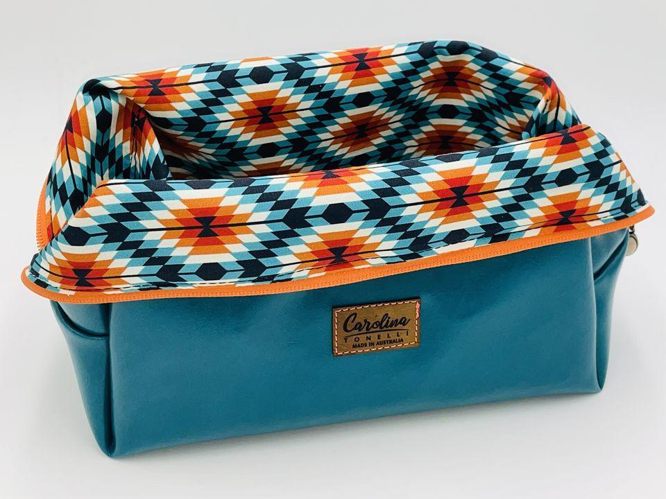 Smart Basket Bag | Cosmetic Bag | Travel | Vegan Leather | Lined Cotton