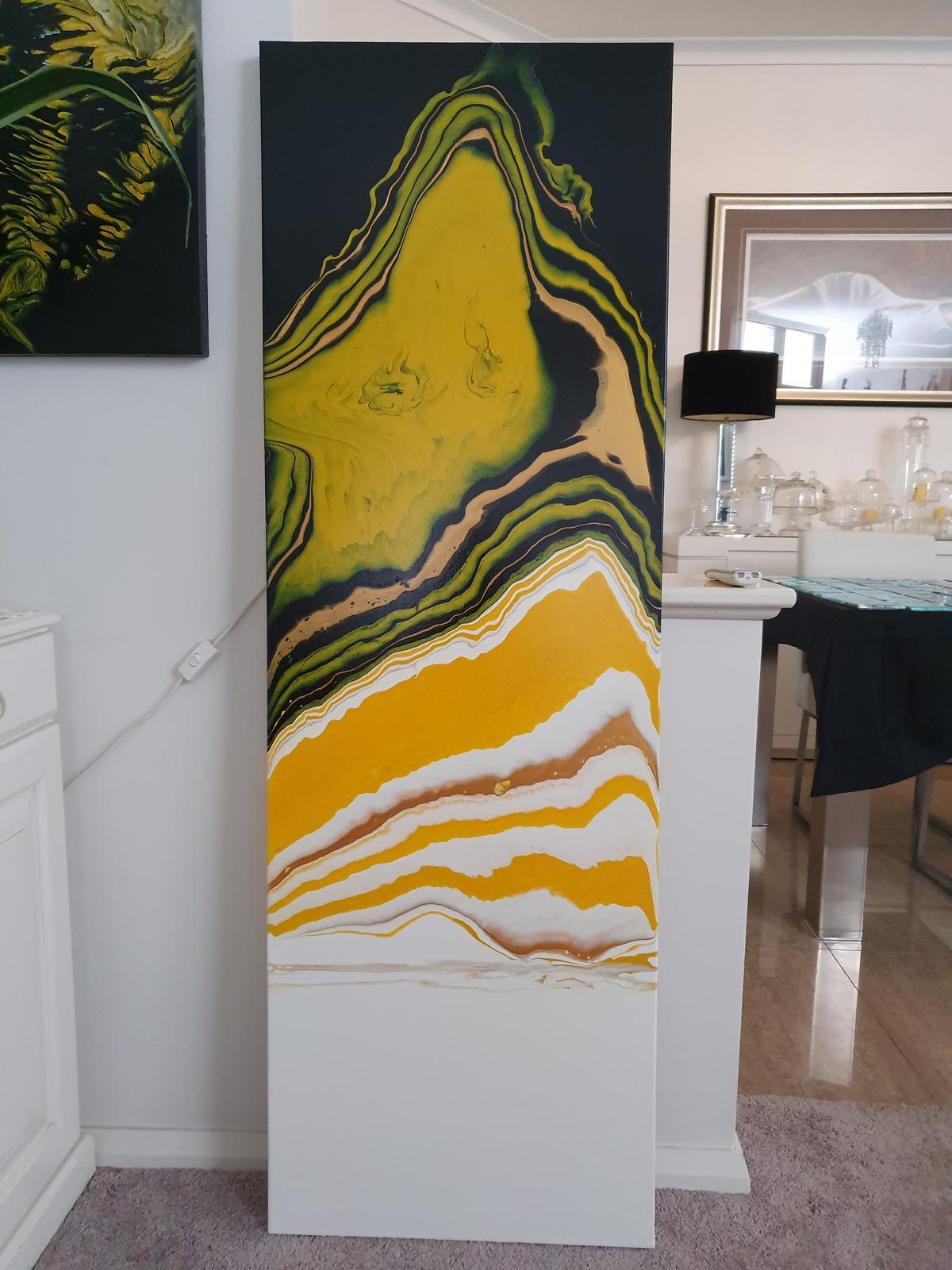 Art and high gloss tiles