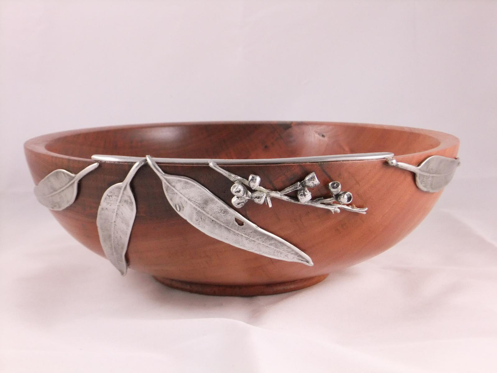 Salad Bowl with Pewter gumleaves