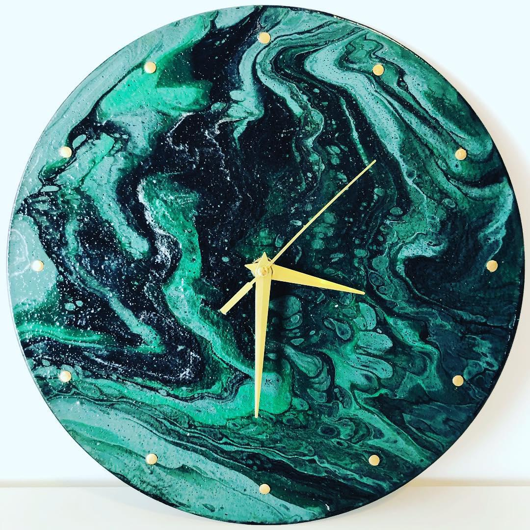 Green and Gold clock