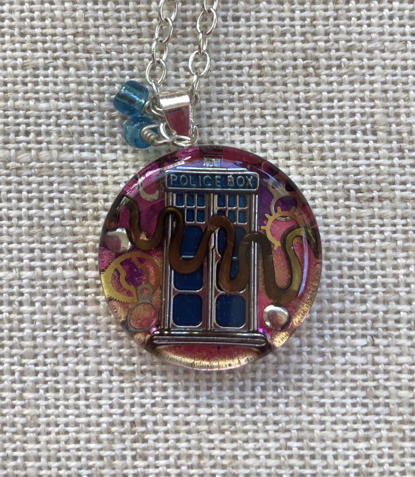 The Tardis Travelling resin pendant 25mm