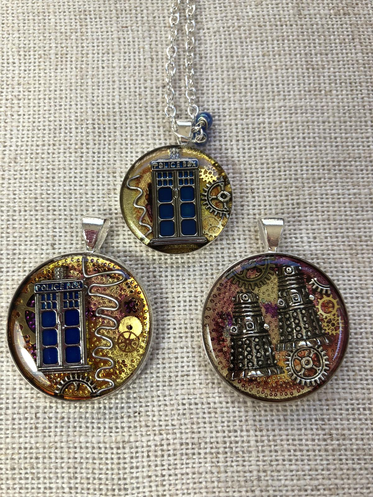 For all Whovians! Resin pendants, 25mm