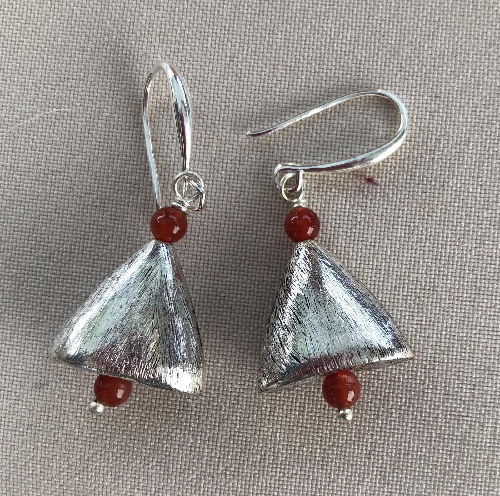 Sterling silver plate and carnelian beads earrings
