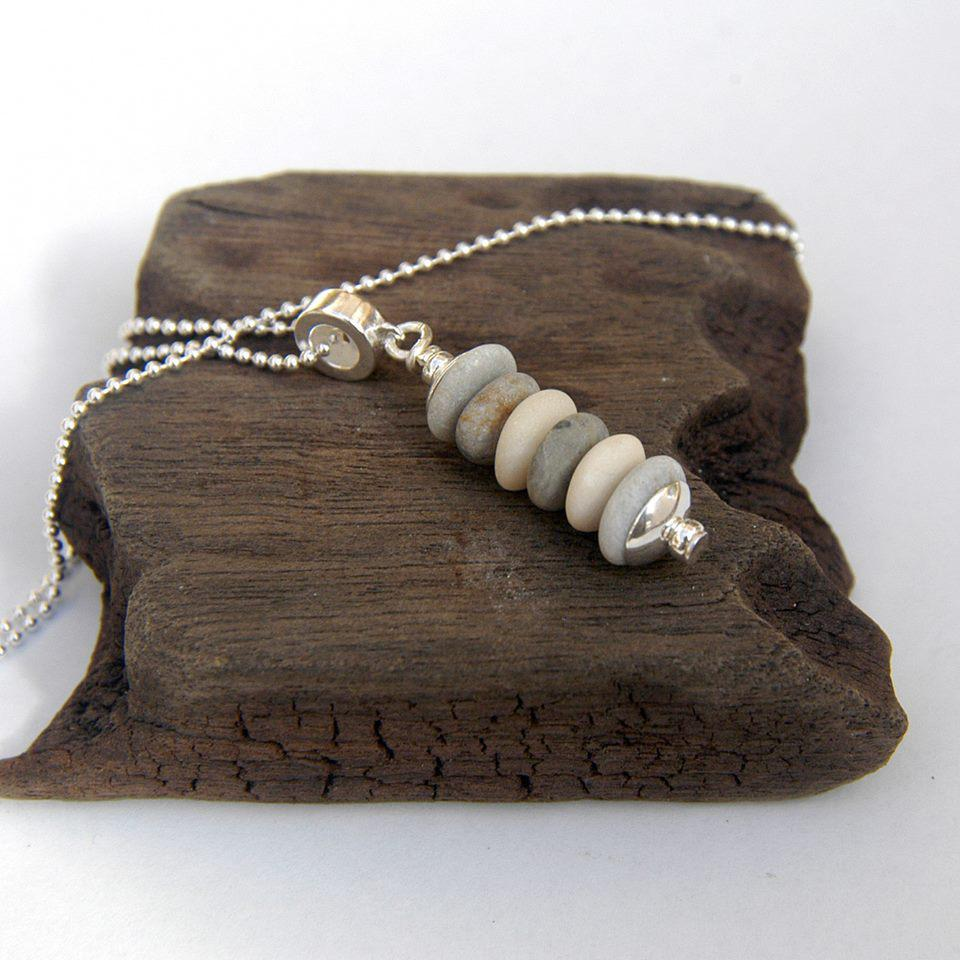 Pebble Stack Pendant Necklace