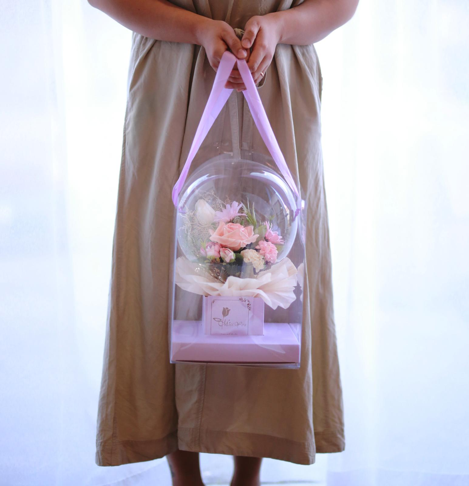 small flowerballoon with carrybag