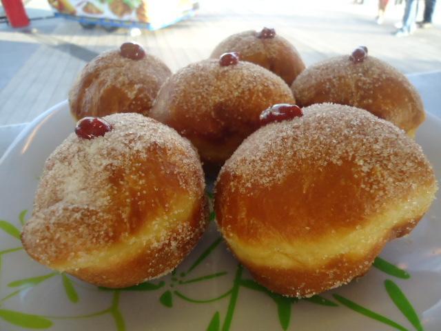 Polish hot donuts