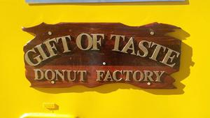 GIFT of TASTE hot donuts