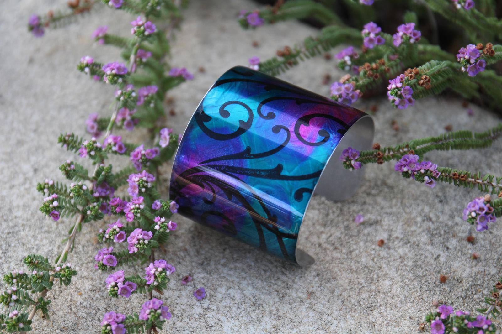 Galaxia Metal cuff