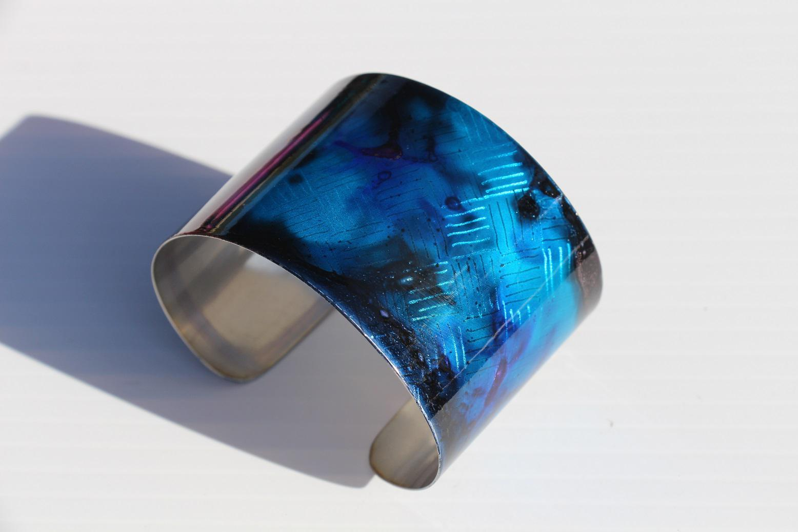 Galaxia Metal holographic cuff bracelet