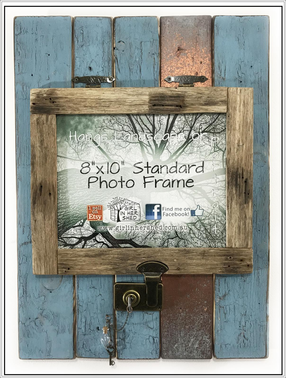 "Lockable 8""x10"" Frame"