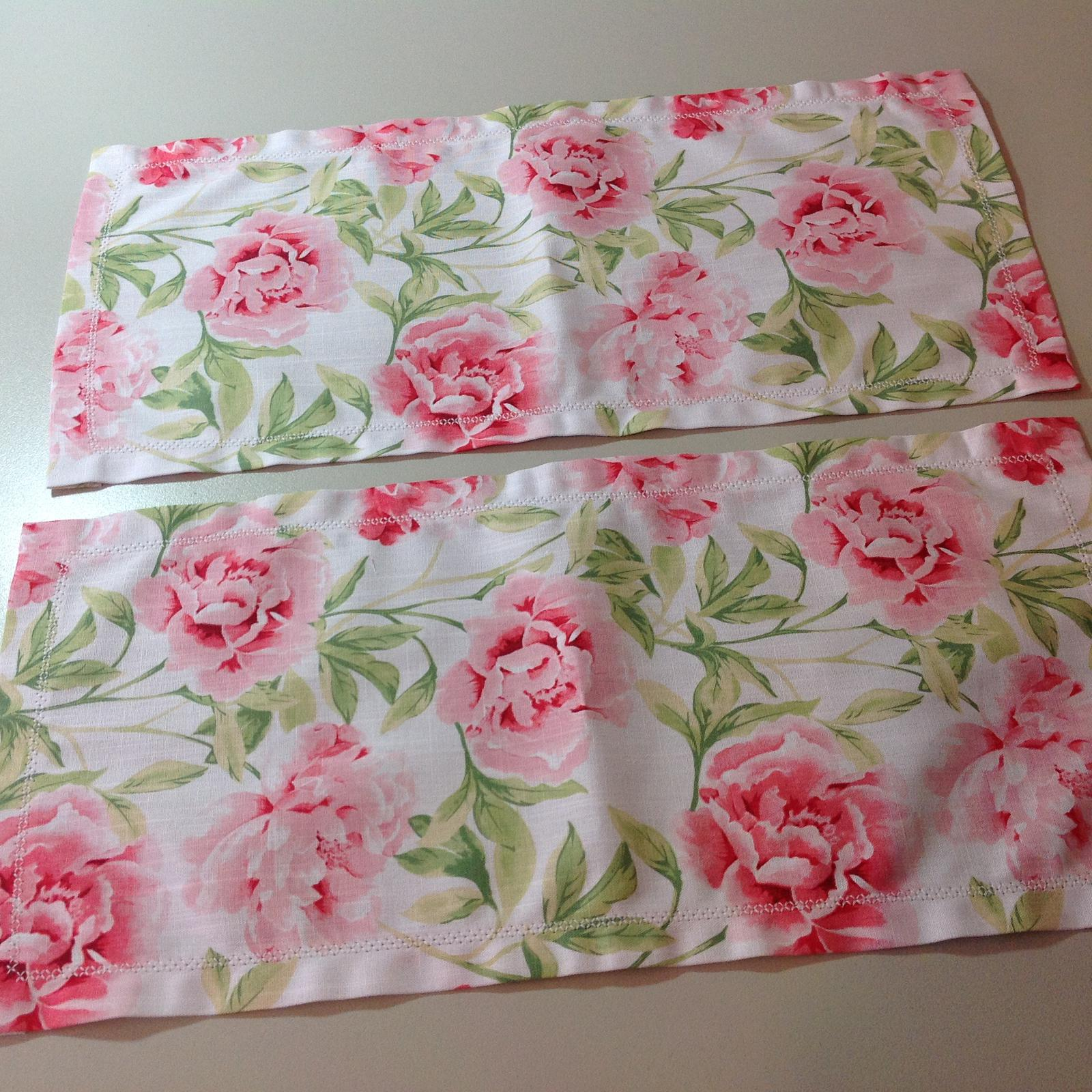 Hemstitched table runners