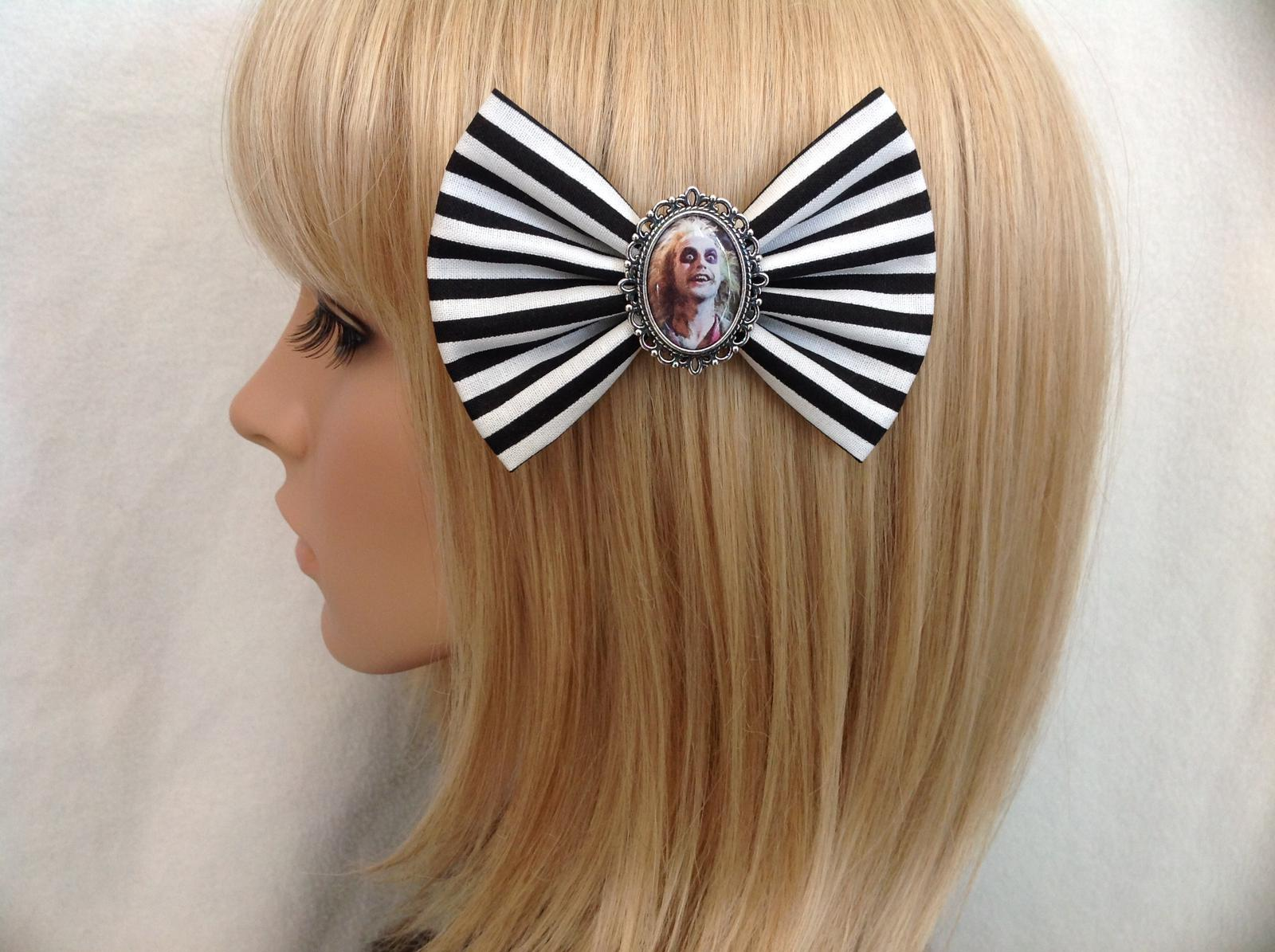 Beetlejuice hair bow