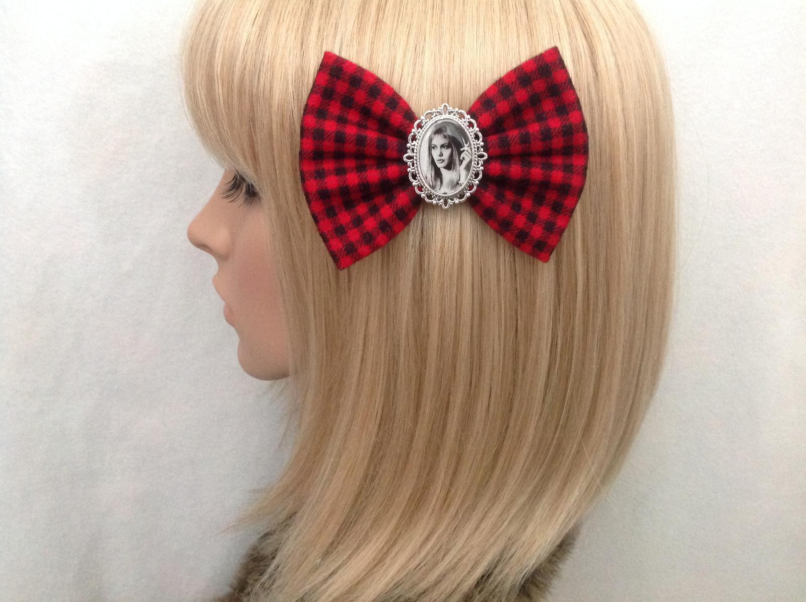 Girl Interrupted hair bow