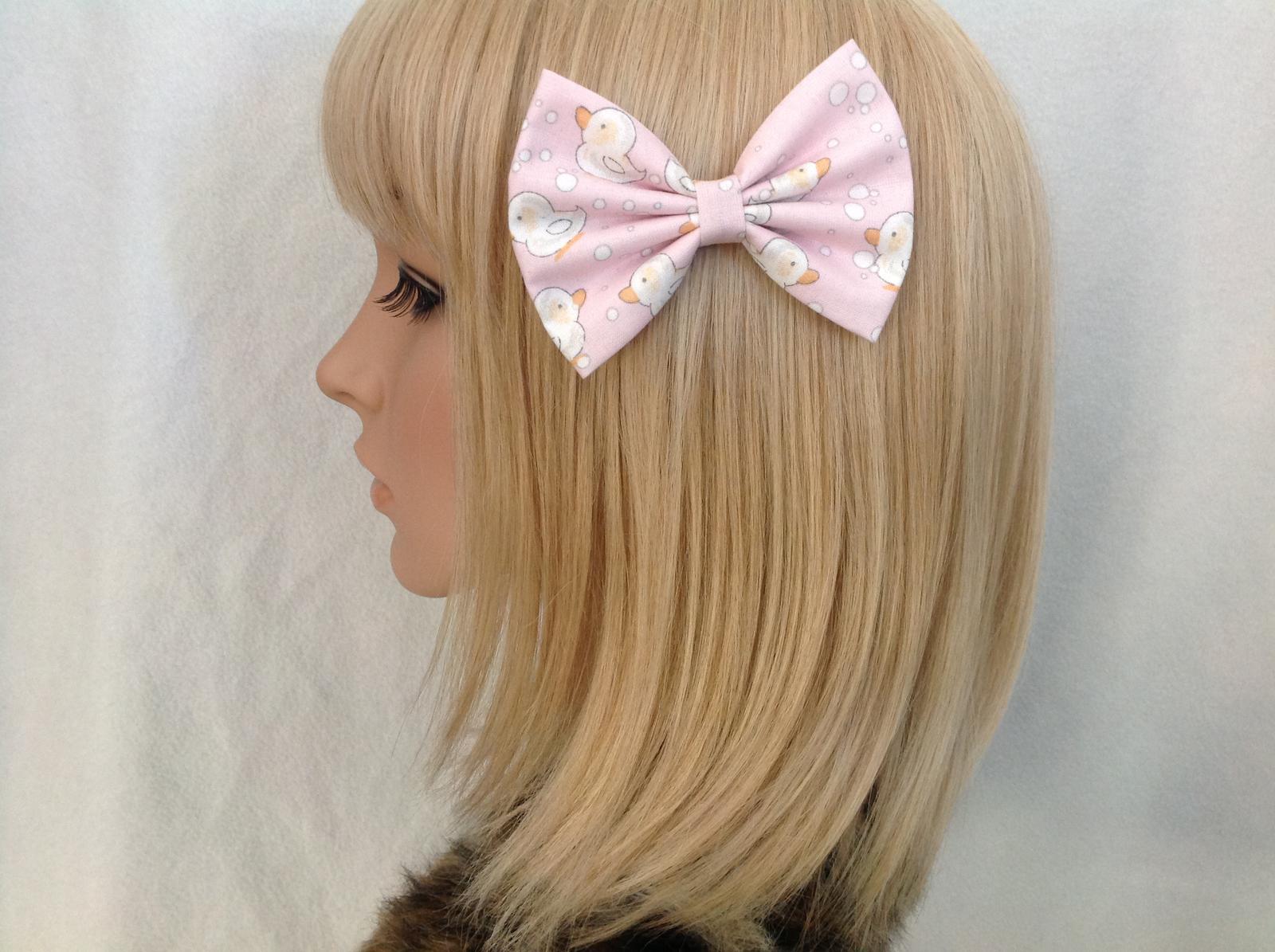 Duck print hair bow