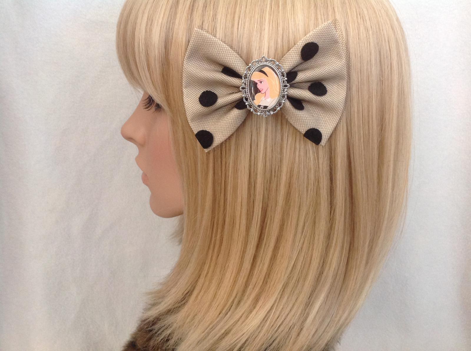Sleeping Beauty Aurora hair bow