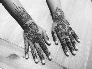 Henna by Simran Savadia