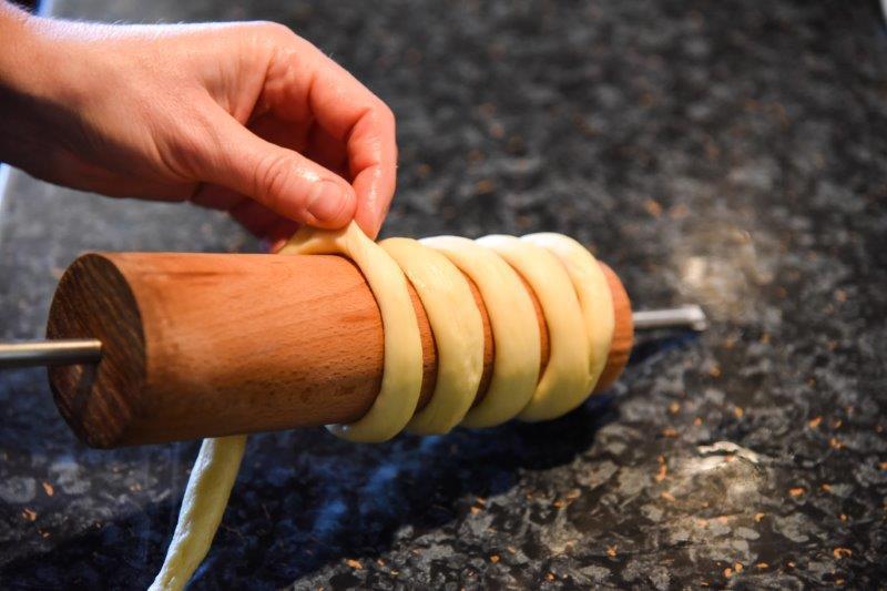 Chimney Cake Rolling