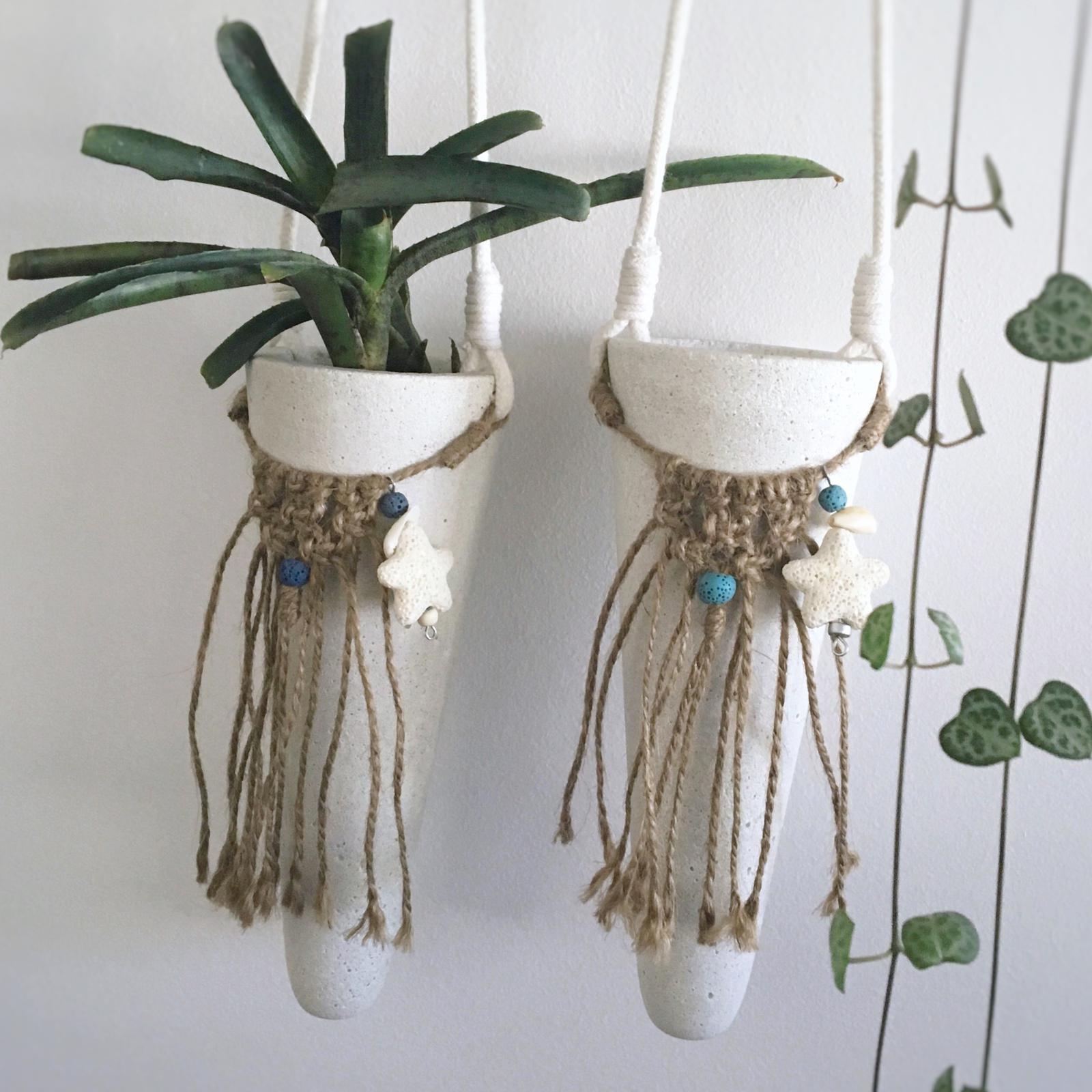 Macrame hanging cones