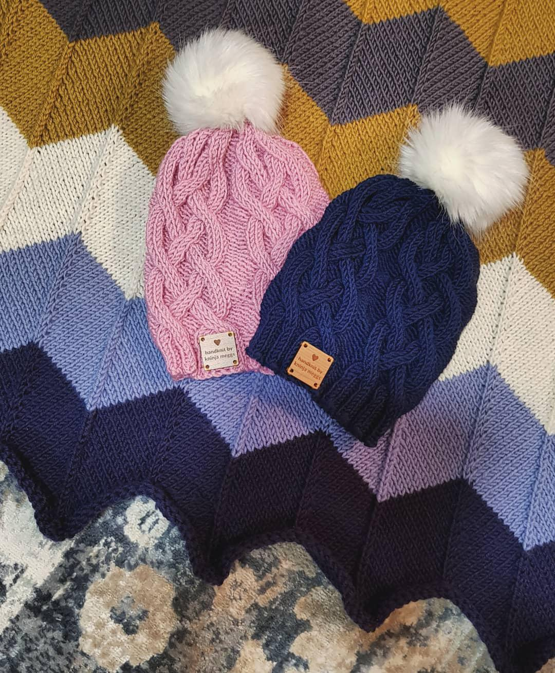 Kninja Meggs Classic Cabled Beanie ~ Twin baby set