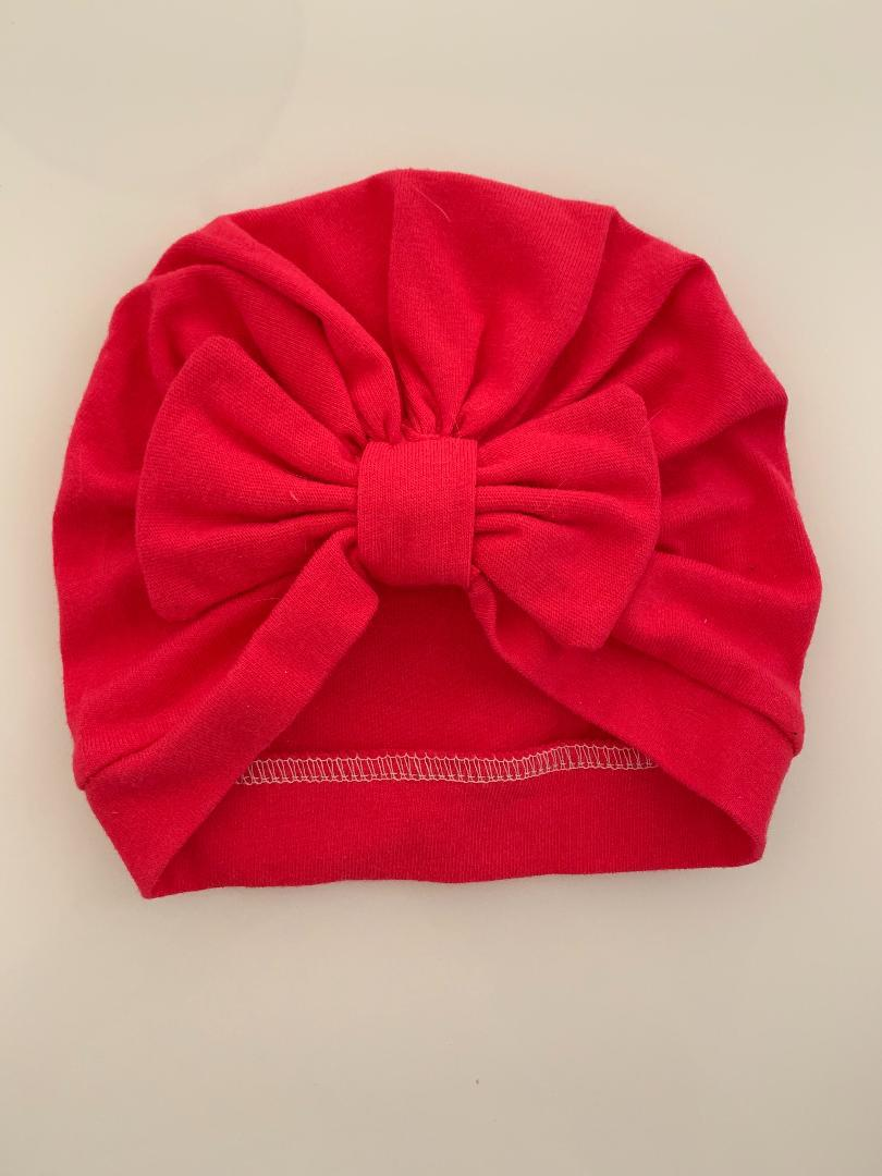 Raspberry straight-bow turban