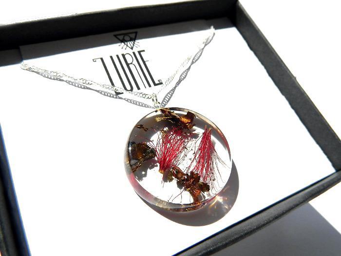 Bottlebrush Blossom pendant with Autumn Flake