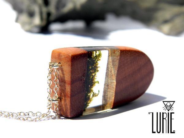 Native Australian Gum and Moss Pendant