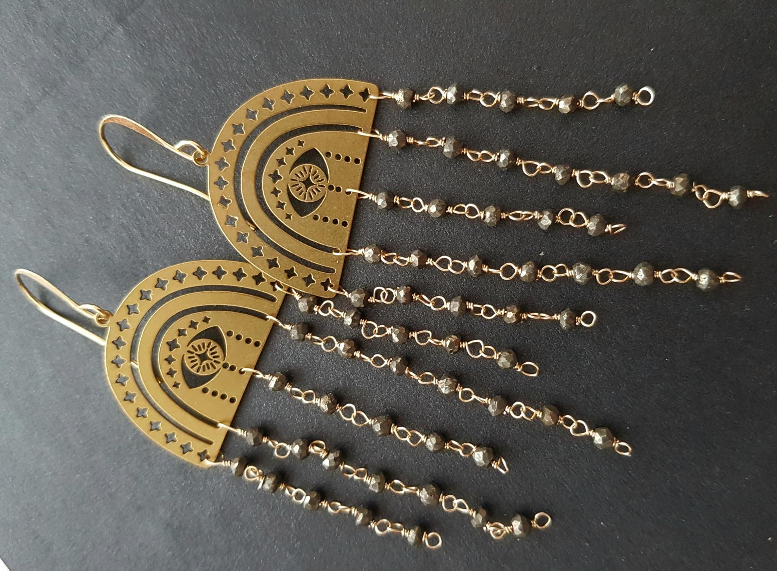 Handwired brass & pyrite rondelles