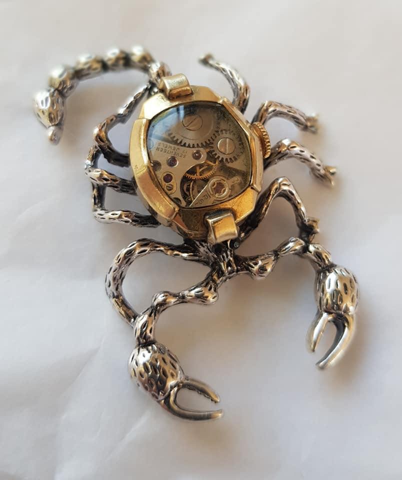Steampunk fantasy scorpion pendant / brooch