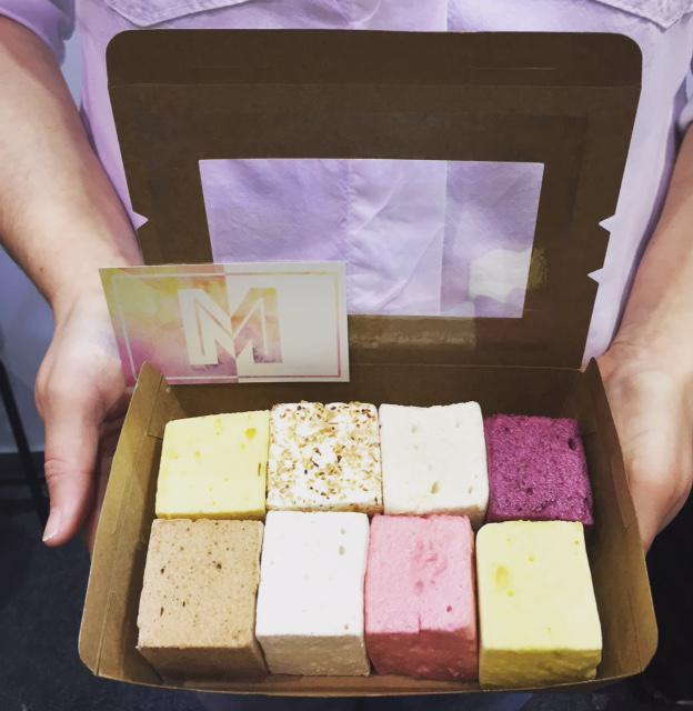 Box of 8 marshmallows