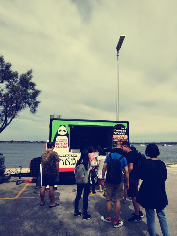 Trading at Swan River Foreshore 02