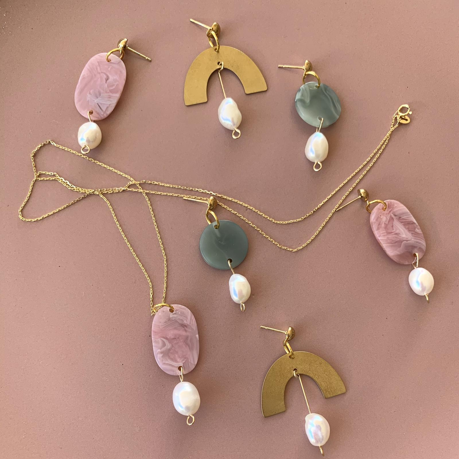 New pearl & acrylic range of earrings & necklaces