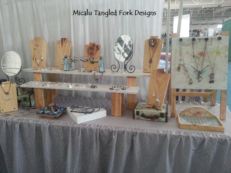 Micalu Tangled Fork Designs display