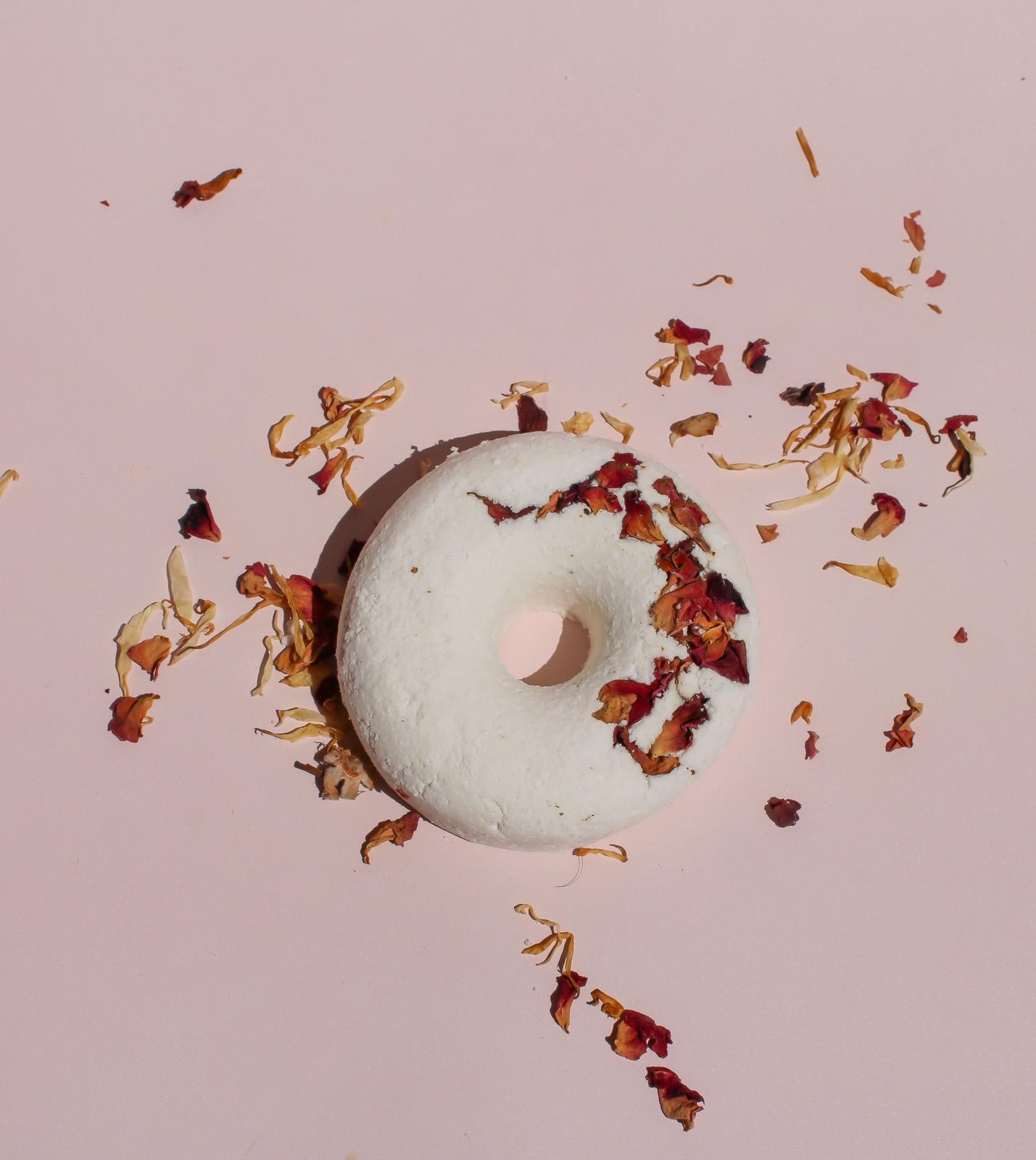 Bath bomb doughnuts