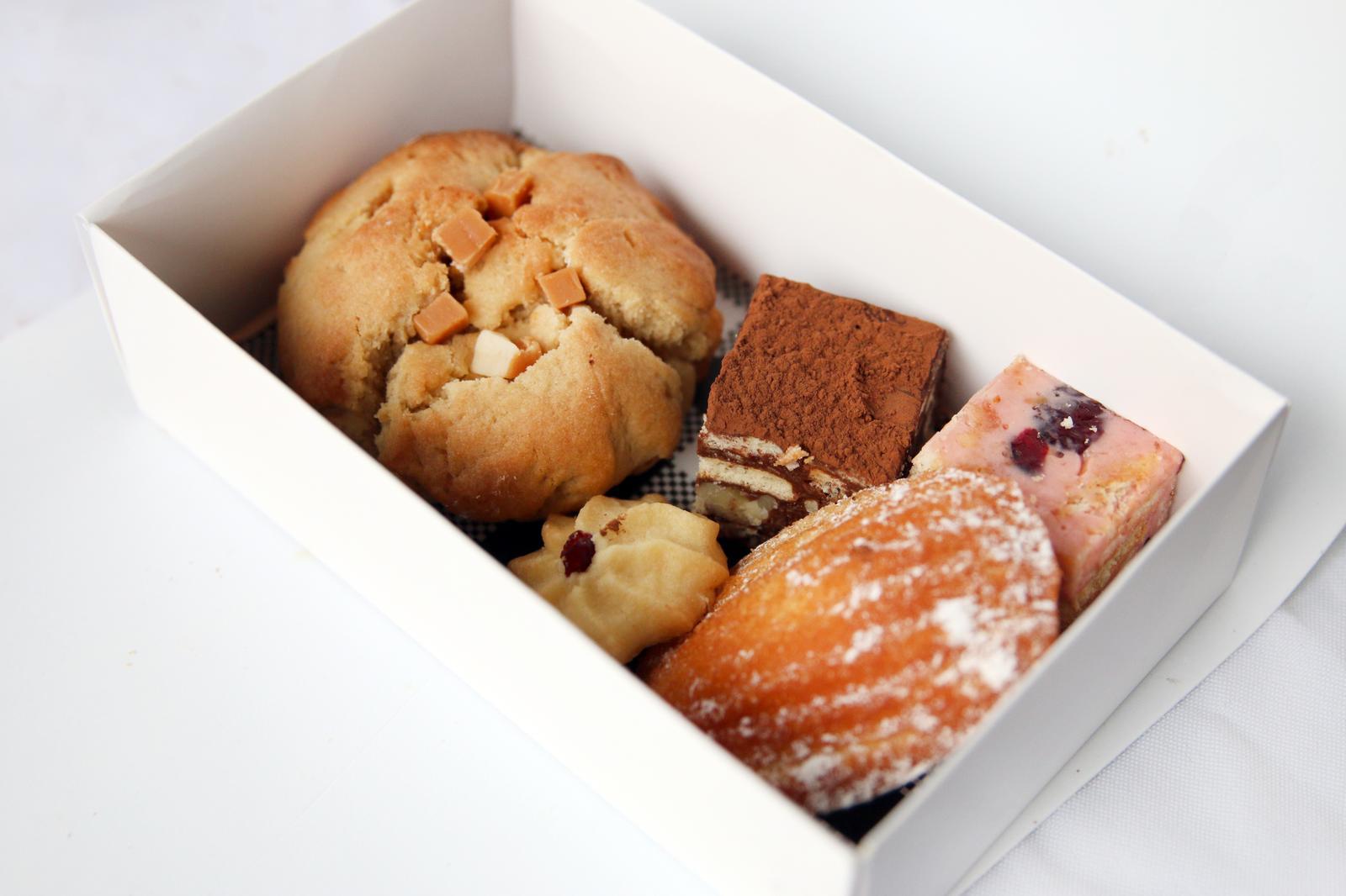 Small variety dessert box