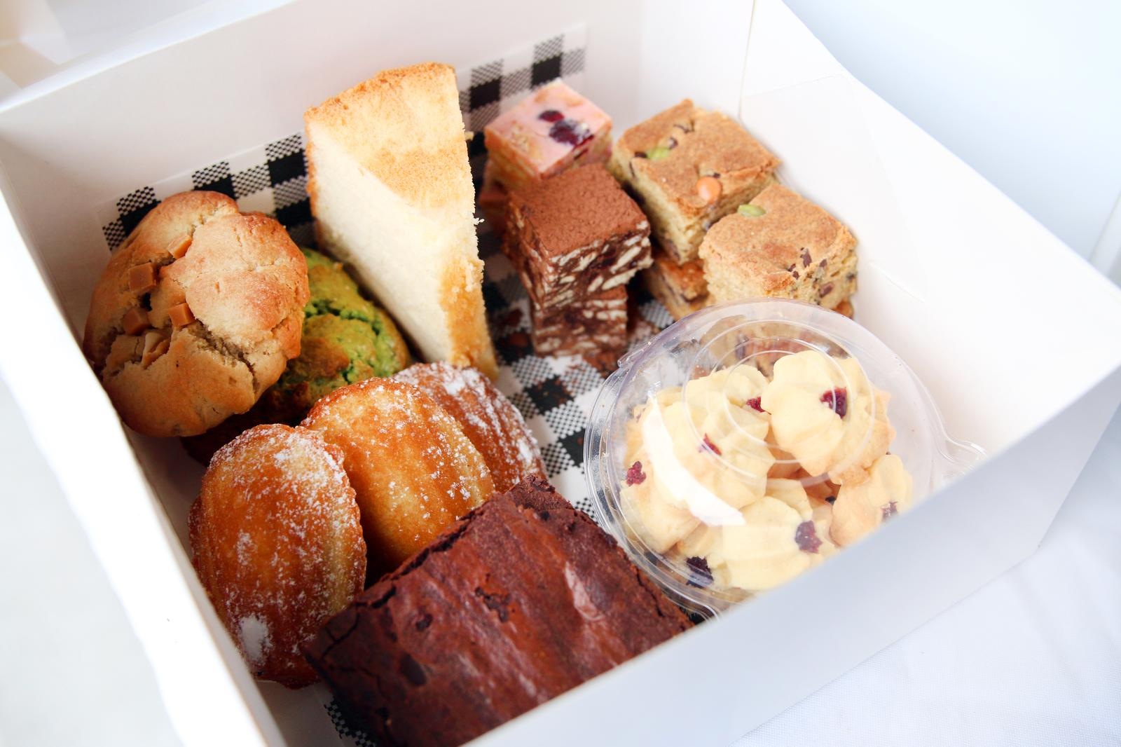 Party or Family variety dessert box