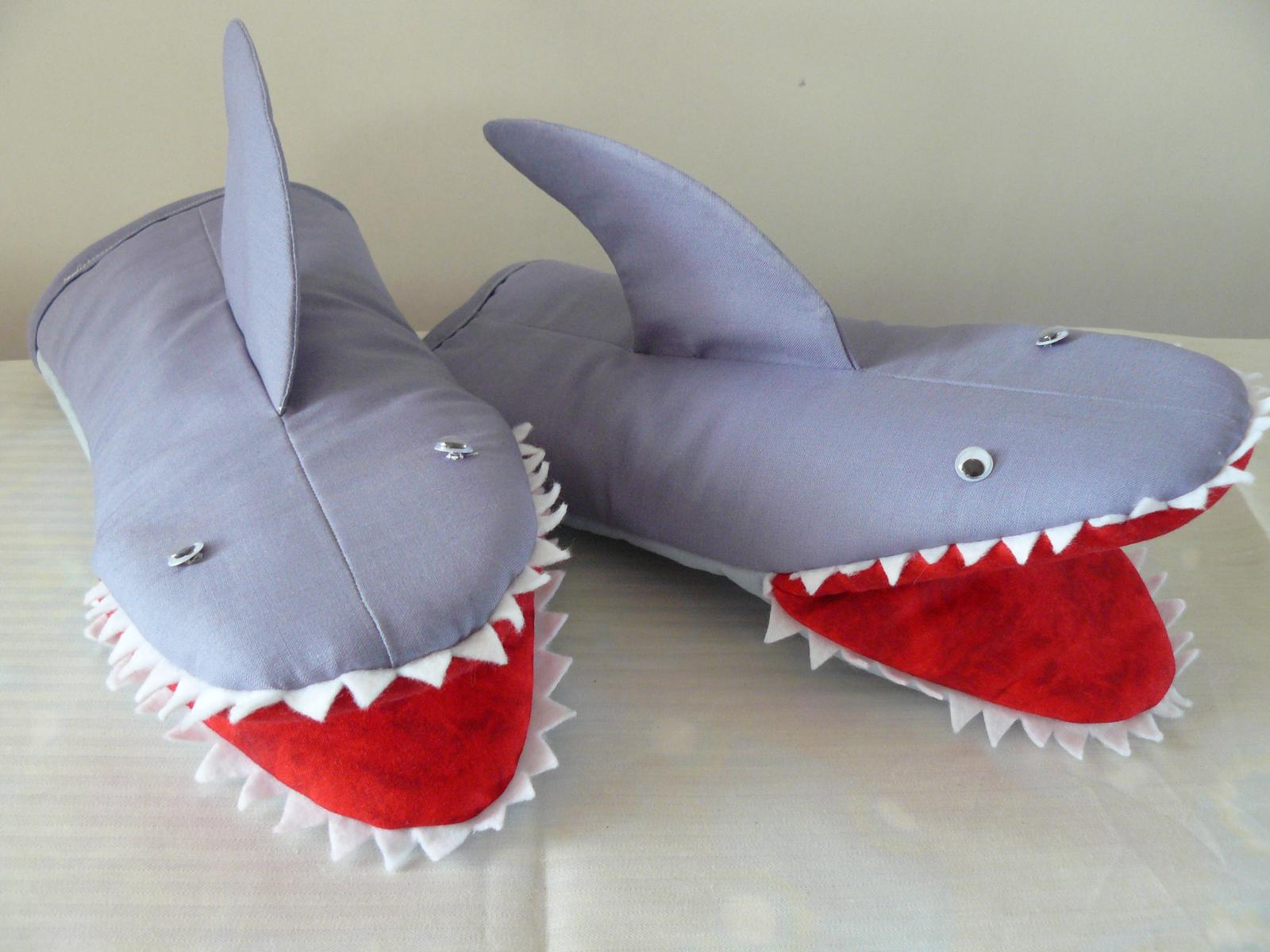"""Oven Gloves - """"Jaws"""""""