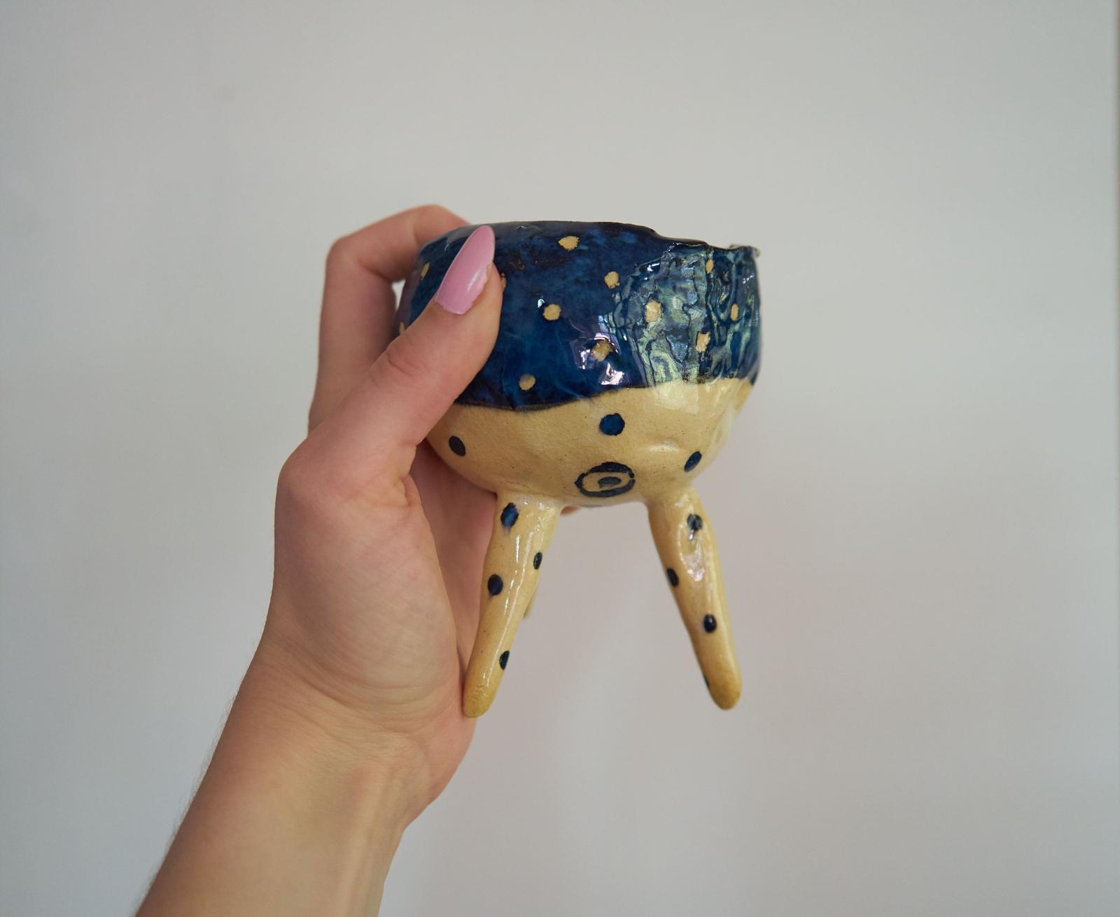 Hand made pinch pot with legs