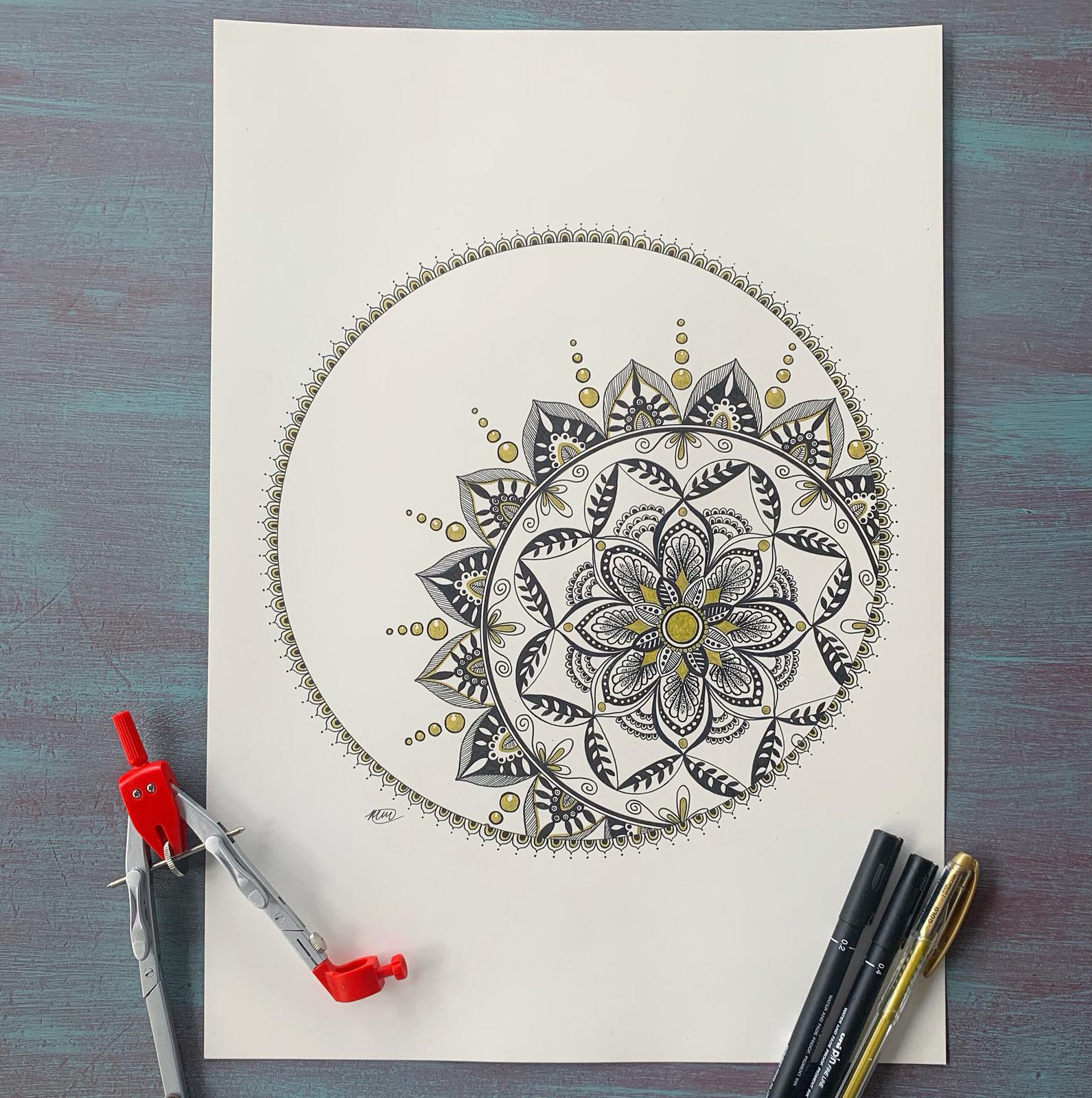 Pen Mandala with a gold ink flair