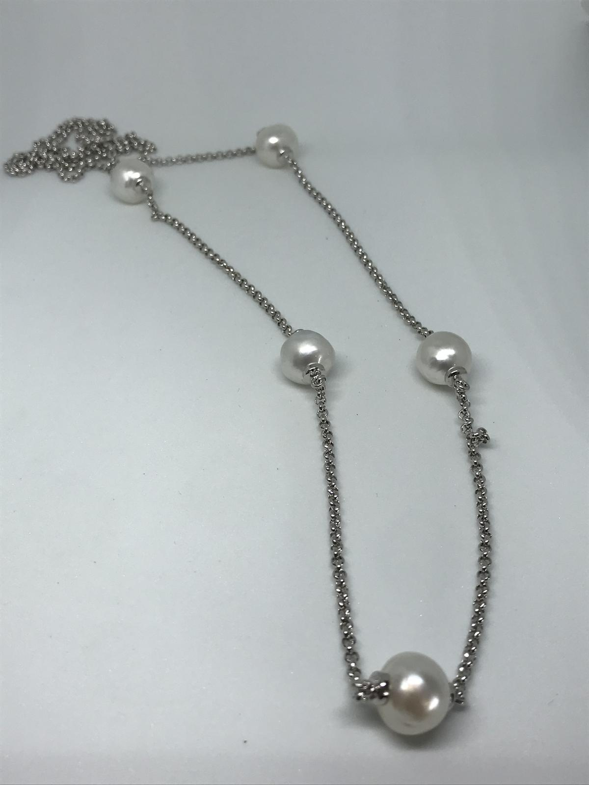 5 x Broome pearls set on 90cm rhodium plated 925 belcher chain.