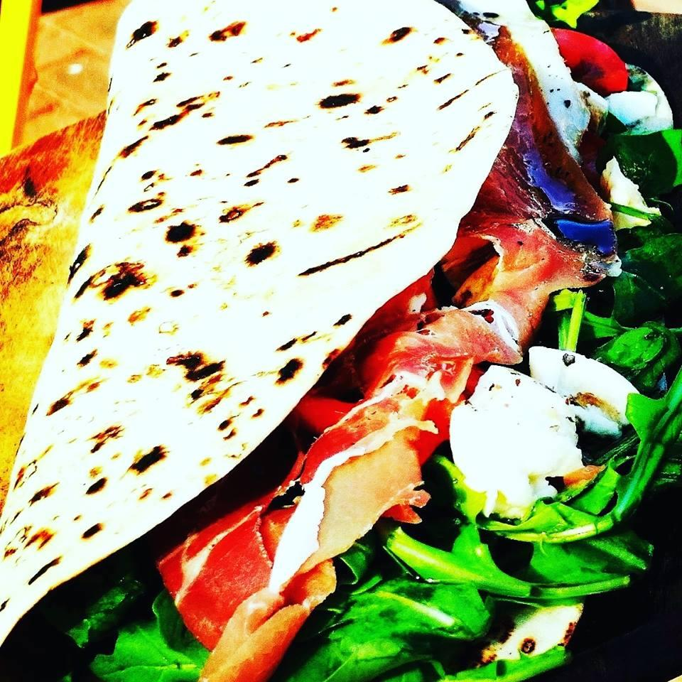Piadina with Prosciutto2