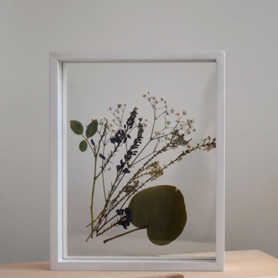 White frame, mixed design