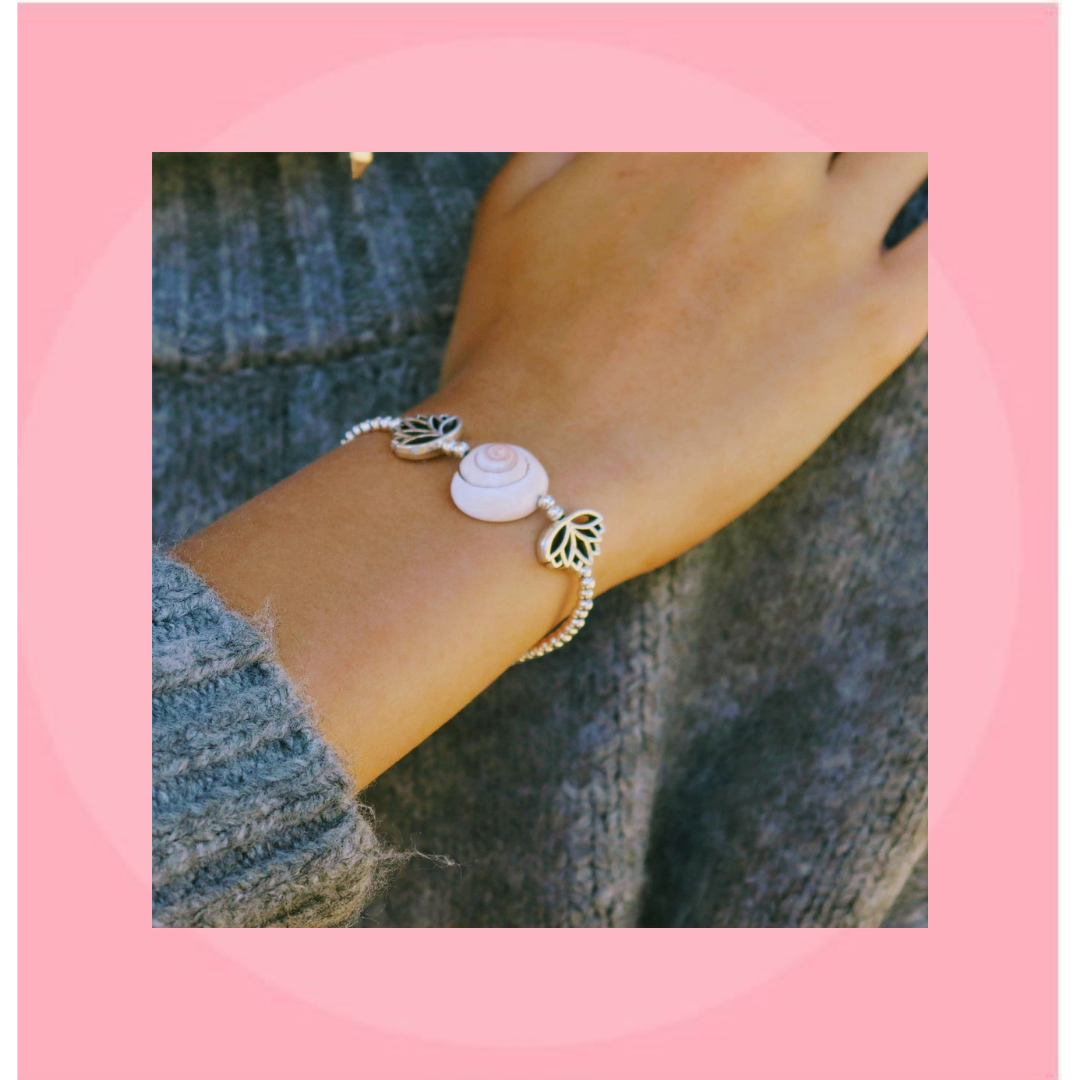 Handmade Conch Shell Silver Beaded Bracelet