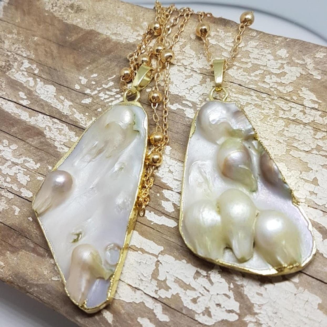 Handmade Pearl Gold Pendant Necklace